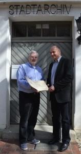 Holger Roggelin und Bernhard Kunkel von der Stadt Stralsund
