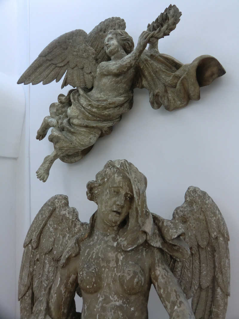 geschnitzte Engel,