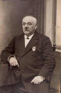 Paul Kunisch, 1920er Jahre, welchen Orden trägt er ?