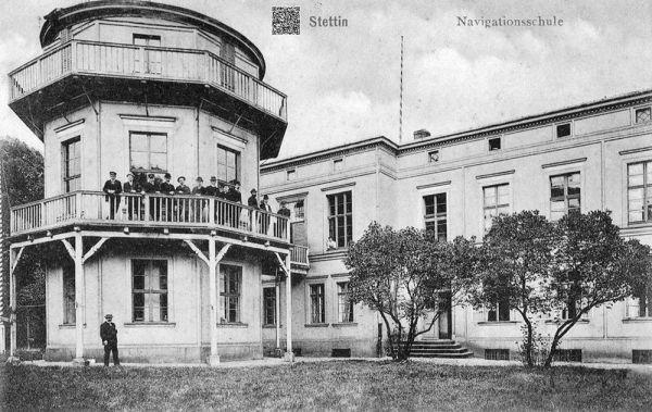 Navigationsschule in Stettin Quelle http://sedina.pl/galeria/thumbnails.php?album=1643, hier finden sich auch weitere Fotos der Schule